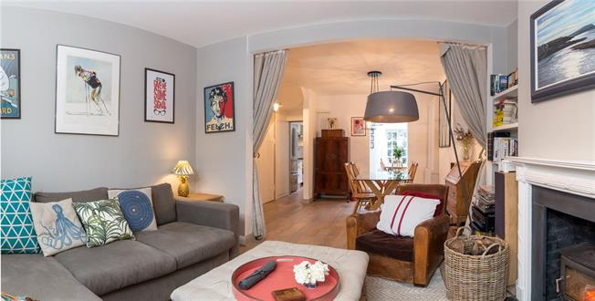 Asking Price £1,050,000, 2 Bedroom Terraced House For Sale in London, W10