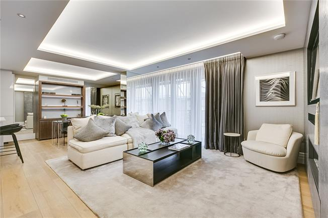Asking Price £2,310,000, 2 Bedroom Flat For Sale in London, W2