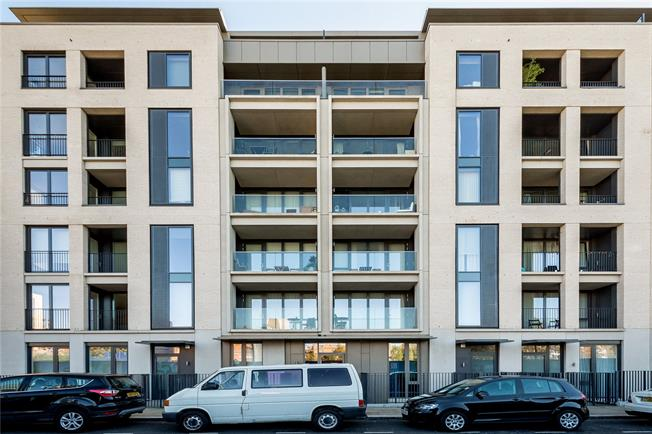 Asking Price £625,000, 1 Bedroom Flat For Sale in London, W10