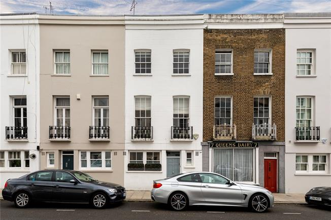Guide Price £1,800,000, 2 Bedroom House For Sale in London, W11