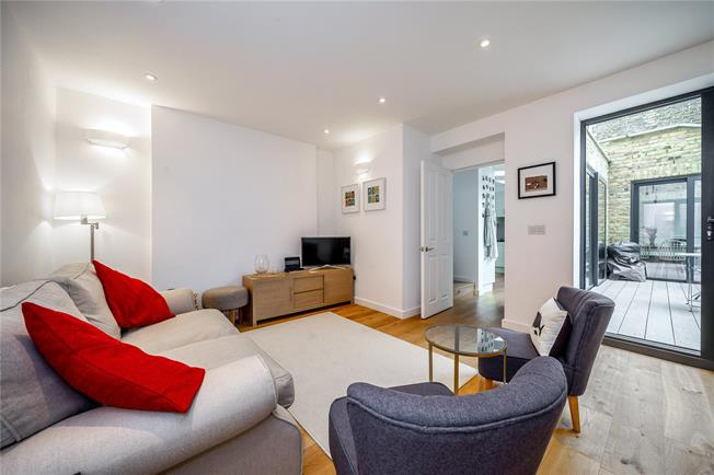 Asking Price £895,000, 2 Bedroom Flat For Sale in London, W10