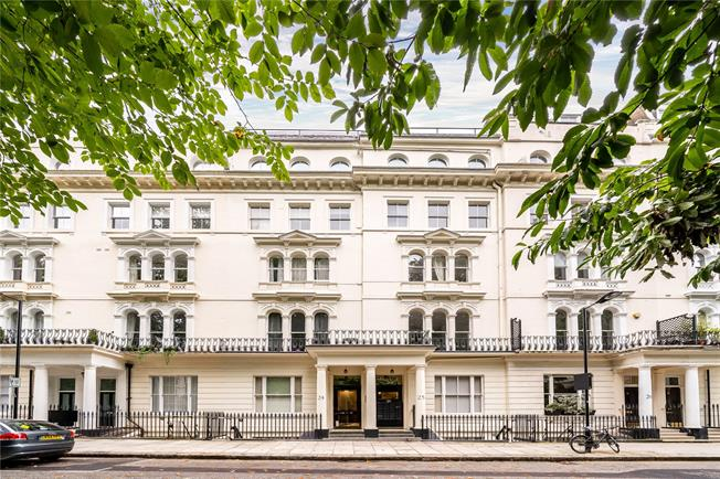 Asking Price £599,000, 1 Bedroom Flat For Sale in London, W2