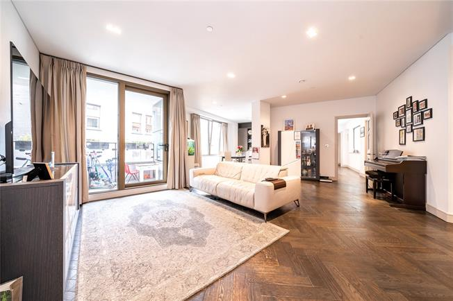 Asking Price £2,495,000, 3 Bedroom Flat For Sale in London, W2