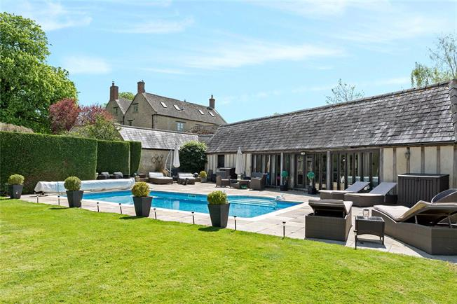Guide Price £2,000,000, 5 Bedroom House For Sale in Oxfordshire, OX5