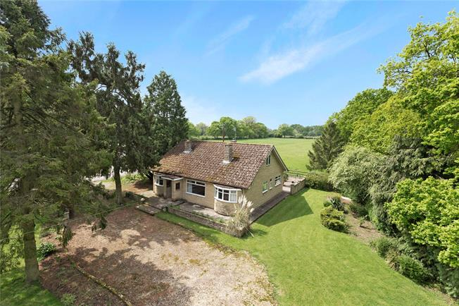 Guide Price £850,000, 3 Bedroom Bungalow For Sale in Hailey, OX29
