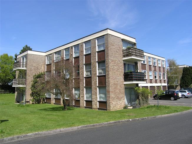 Asking Price £350,000, 3 Bedroom Flat For Sale in Oxford, OX2