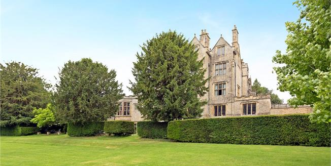 Guide Price £395,000, 2 Bedroom Flat For Sale in Shipton-under-Wychwood, OX7
