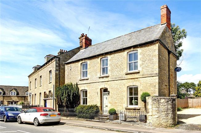 Offers in excess of £595,000, 3 Bedroom Detached House For Sale in Bampton, OX18