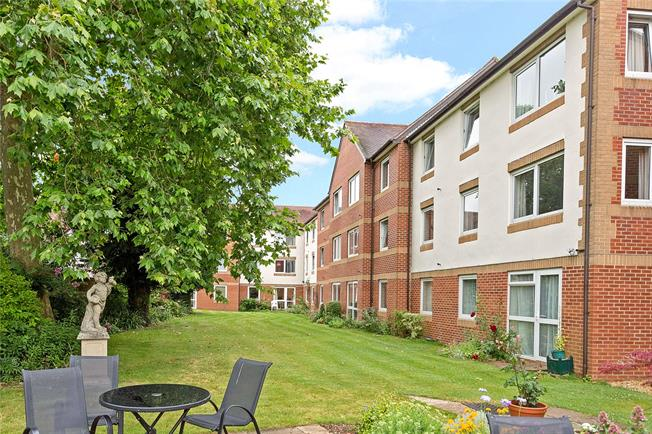 Guide Price £219,000, 1 Bedroom Flat For Sale in Oxford, OX2