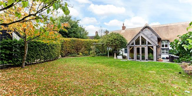Guide Price £850,000, 4 Bedroom Detached House For Sale in Stanton Harcourt, OX29