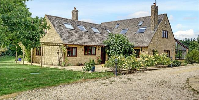 Guide Price £950,000, 4 Bedroom Detached House For Sale in Stanton Harcourt, OX29