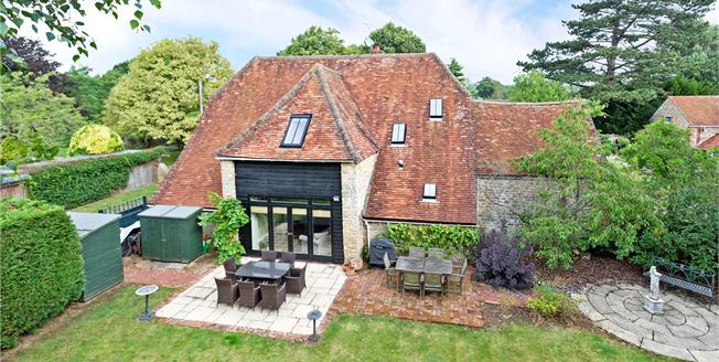 Guide Price £1,100,000, 5 Bedroom Detached House For Sale in Abingdon, Oxfordshire, OX13