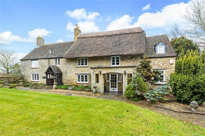 Offers in excess of £800,000, 3 Bedroom Detached House For Sale in Weston-on-the-Green, OX25