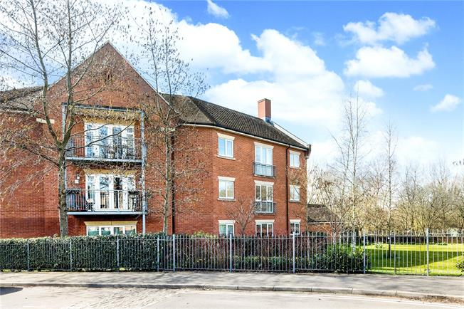Guide Price £450,000, 2 Bedroom Flat For Sale in Oxfordshire, OX2