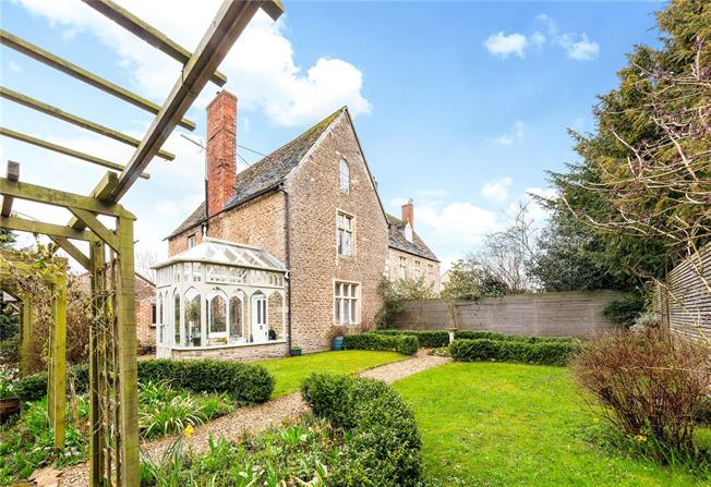 Offers in excess of £700,000, 4 Bedroom Semi Detached House For Sale in Kingston Bagpuize, OX13