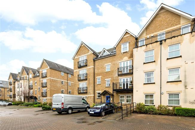Guide Price £500,000, 2 Bedroom Flat For Sale in Oxford, OX2