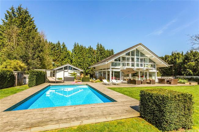 Offers in excess of £1,500,000, 5 Bedroom Detached House For Sale in Abingdon, Oxfordshire, OX13