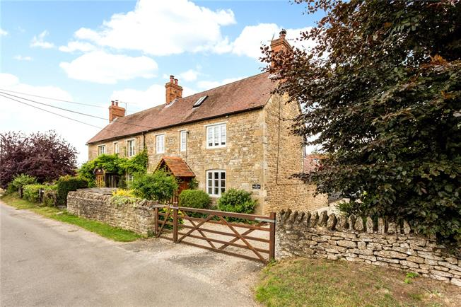Guide Price £800,000, 3 Bedroom Semi Detached House For Sale in Besselsleigh, OX13