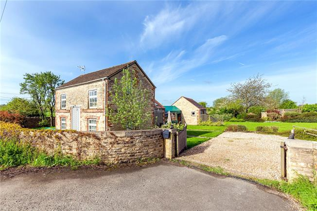 Offers in excess of £595,000, 3 Bedroom Detached House For Sale in Faringdon, SN7