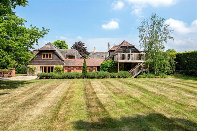 Offers in excess of £975,000, 5 Bedroom House For Sale in Abingdon, OX13