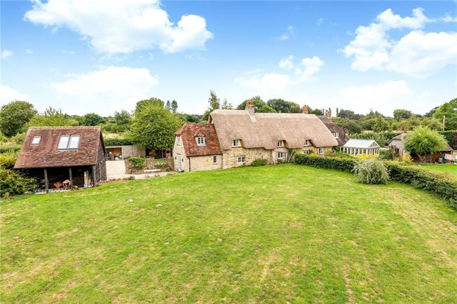 Offers in excess of £795,000, 3 Bedroom Semi Detached House For Sale in Cumnor, OX2