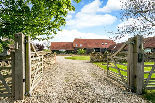 Guide Price £1,850,000, 6 Bedroom House For Sale in Oxfordshire, OX12