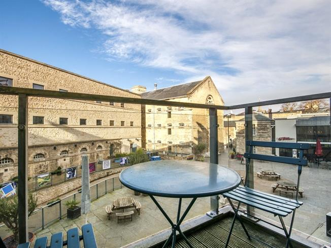 Guide Price £385,000, 1 Bedroom Flat For Sale in Oxford, OX1