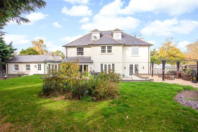 Offers in excess of £950,000, 6 Bedroom Detached House For Sale in Bayworth, OX13