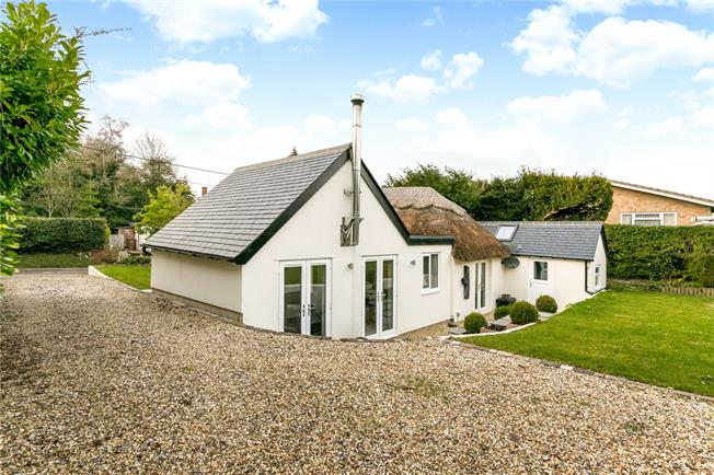 Guide Price £595,000, 3 Bedroom Bungalow For Sale in Harwell, OX11