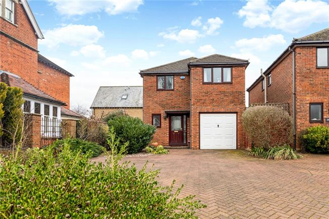 Offers in excess of £799,950, 4 Bedroom Detached House For Sale in Oxford, OX2