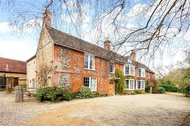 Offers in excess of £850,000, 6 Bedroom House For Sale in Faringdon, SN7
