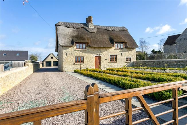 Offers in excess of £750,000, 5 Bedroom Detached House For Sale in Oxfordshire, OX5