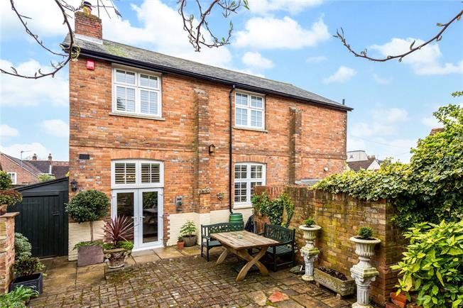 Offers in excess of £750,000, 4 Bedroom Detached House For Sale in Aylesbury, HP18