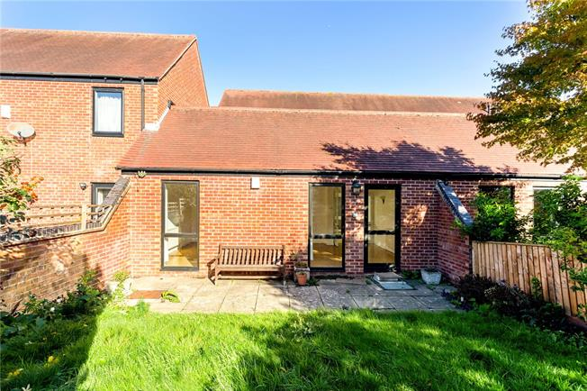 Asking Price £799,950, 4 Bedroom End of Terrace House For Sale in Oxford, OX4