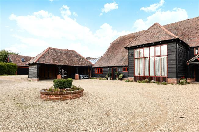 Guide Price £850,000, 5 Bedroom Semi Detached House For Sale in Abingdon, OX14