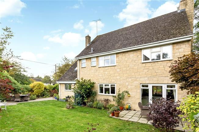 Offers in excess of £800,000, 4 Bedroom Detached House For Sale in Abingdon, OX13