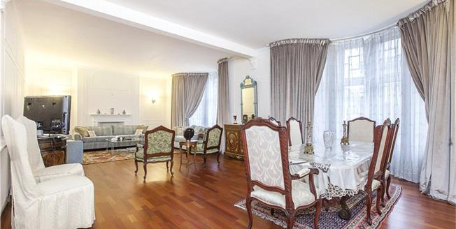 Asking Price £2,250,000, 4 Bedroom Flat For Sale in London, W1U
