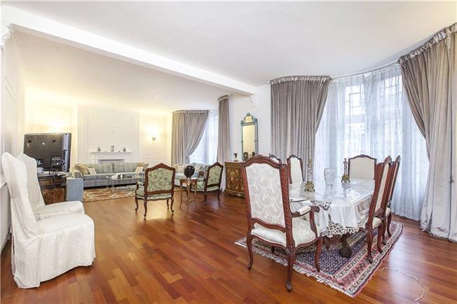 Asking Price £2,250,000, 4 Bedroom Flat For Sale in London, W1U