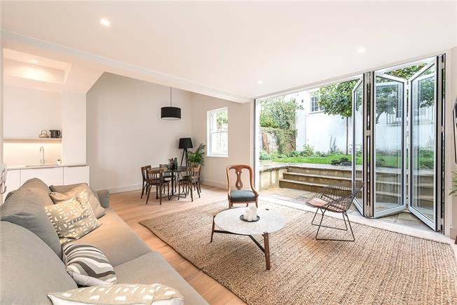 Asking Price £1,800,000, 3 Bedroom Flat For Sale in London, W2