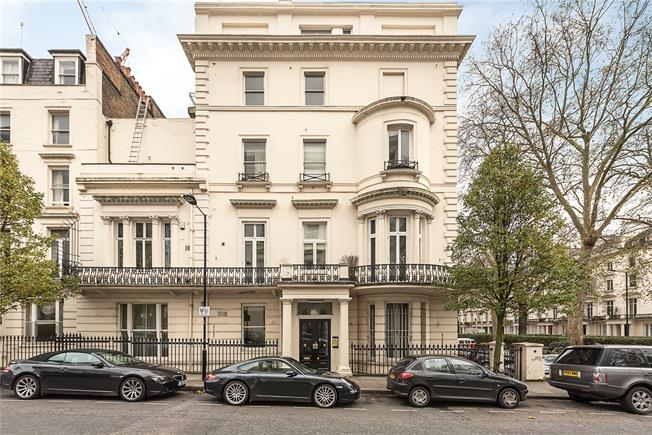 Asking Price £2,250,000, 3 Bedroom Flat For Sale in London, W2