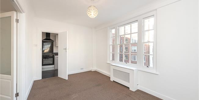 Asking Price £850,000, 2 Bedroom Flat For Sale in London, W2