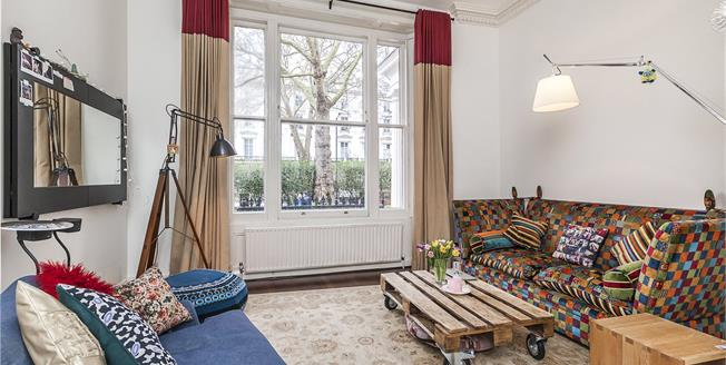 Asking Price £1,050,000, 2 Bedroom Flat For Sale in London, W2