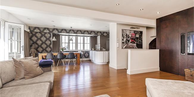 Asking Price £2,500,000, 3 Bedroom Flat For Sale in London, W2