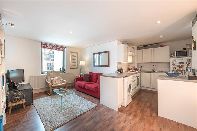 Asking Price £595,000, 1 Bedroom Flat For Sale in London, W2