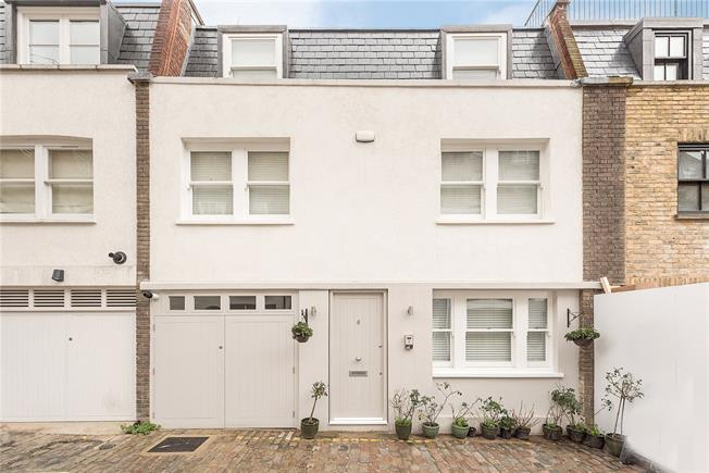 Asking Price £2,850,000, 3 Bedroom Mews House For Sale in London, W2
