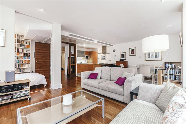 Asking Price £1,250,000, 3 Bedroom Flat For Sale in London, W2
