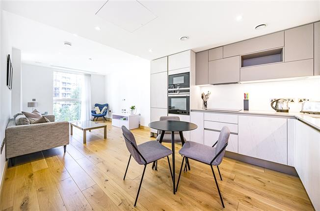 Asking Price £905,000, 1 Bedroom Flat For Sale in London, W2