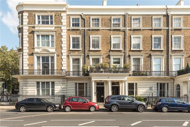 Asking Price £1,295,000, 3 Bedroom Flat For Sale in ., W2