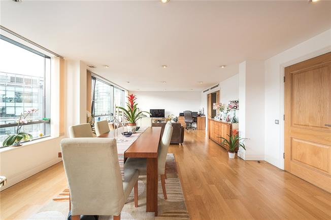 Asking Price £1,725,000, 3 Bedroom Flat For Sale in London, W2