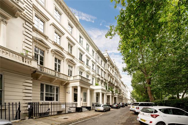 Asking Price £495,000, 1 Bedroom Flat For Sale in London, W2